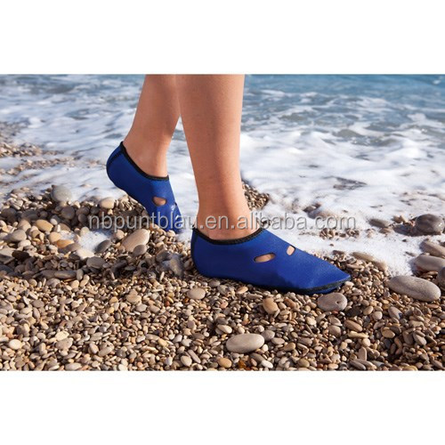 Women beach shoes with soft land