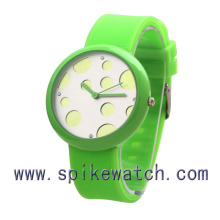 Green color silicone japan movement quartz watch sr626sw