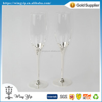 Tailor made hot sales Free sample Wedding Souvenir Floral Metal Champagne Flute
