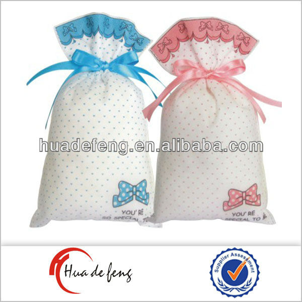 Delicate Christmas pp gift bags in bahrain