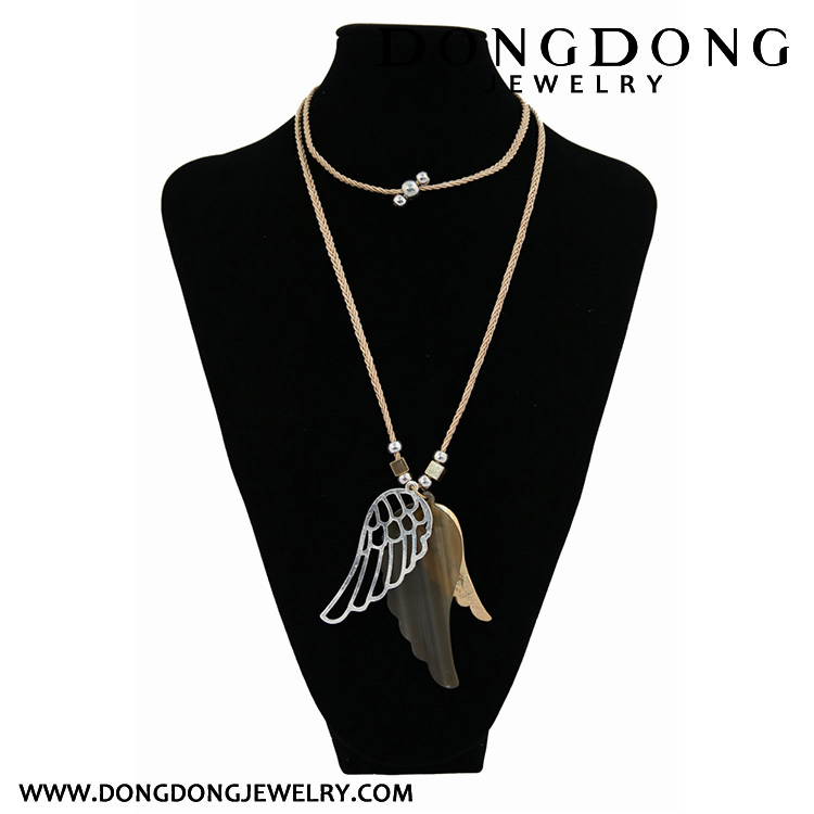 2017 New selling pendant design wings shaped Fashion Charm Pendant Necklace