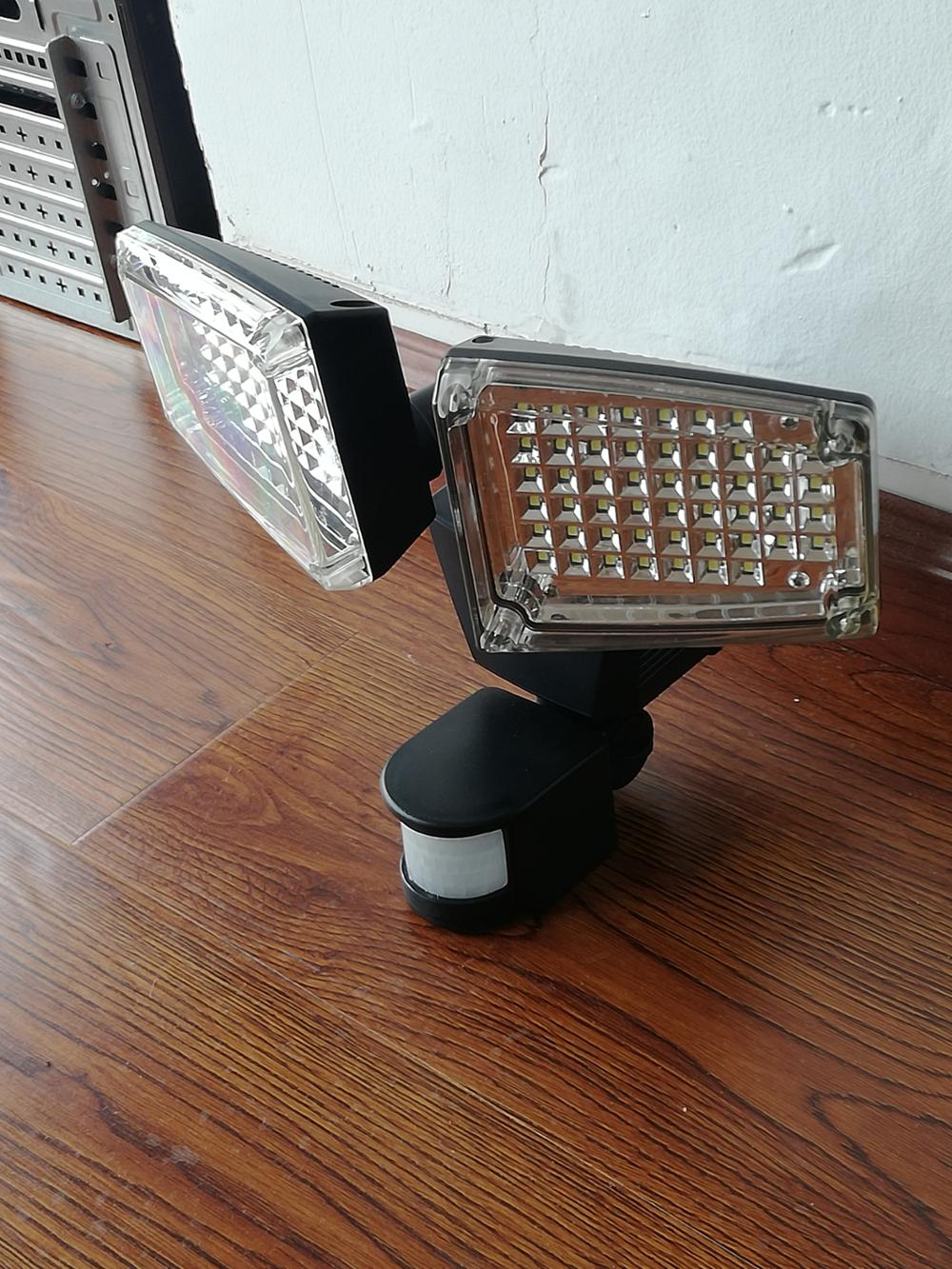 New design IP44 Wireless Durabl e super bright 100LED solar security garden light