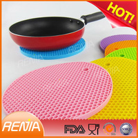 RENJIA silicone heat resistant table mat heat resistant silicone hot pad /mat fashionable silicone coaster
