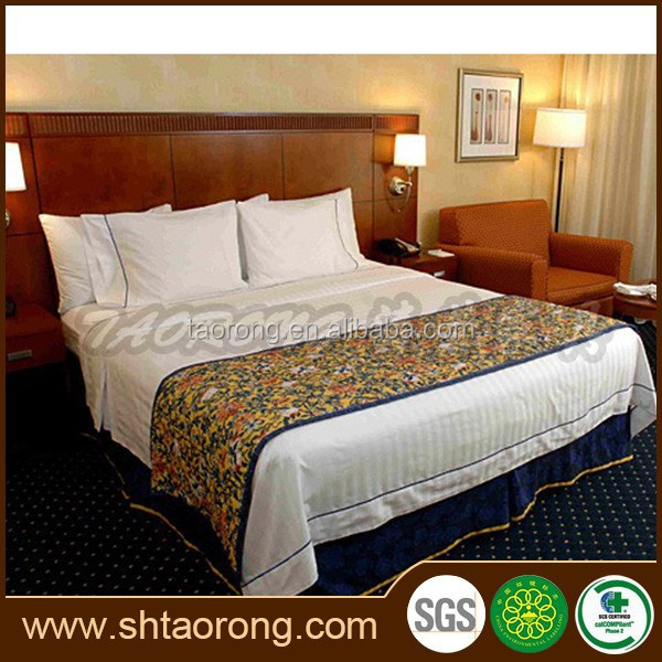 Modern luxury wooden dubai hotel bedroom bed
