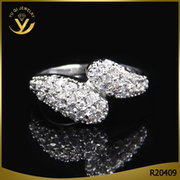 Most attractive rhodium plated shiny zircon setting fancy silver ring