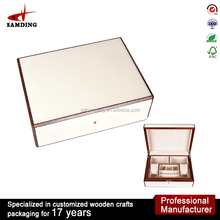 high-grade packaging box white acrylic jewelry display case for jewelry