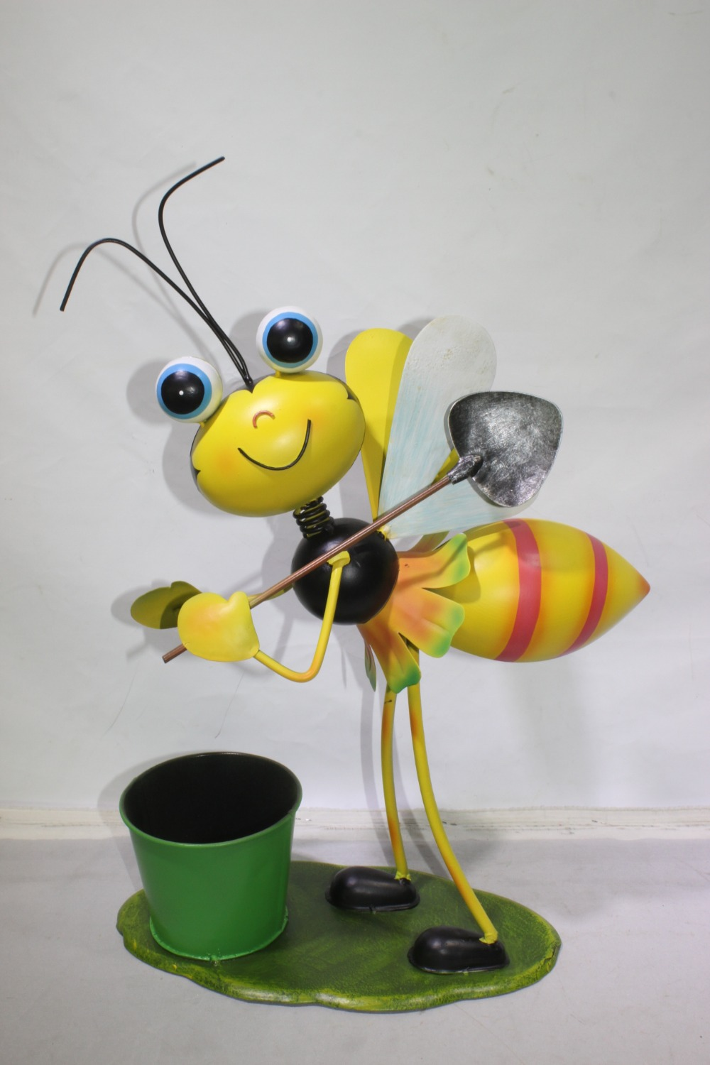metal ornament bee flower pot flower planter garden ornament