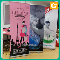 Retractable roll up horizontal curved top pop up banner stands