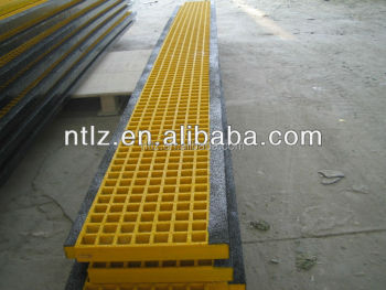 FRP grating for stair tread with black nosing
