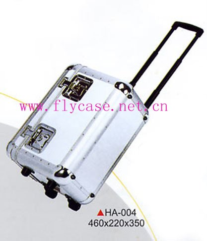 aluminum frame  and  plywood  panel  flight case for speakers with wheels butterfly locks and telescope handle