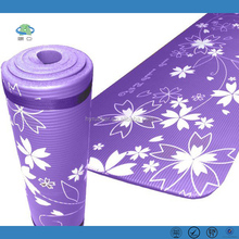 2017 New Style Popular Customized Easy Clean NBR Yoga mats manufacturer