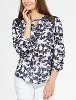 New design fashion printed blouse women with lace embellishment on the shoulders