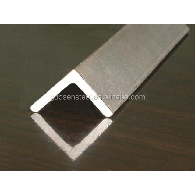SS400 Angle Steel / Steel Angle Iron Weights / Tensile Strength Of Steel Angle Bar in China