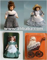 682 pcs DE AGOSTINI PORCELAIN DOLLS WITH ACCESSORIES
