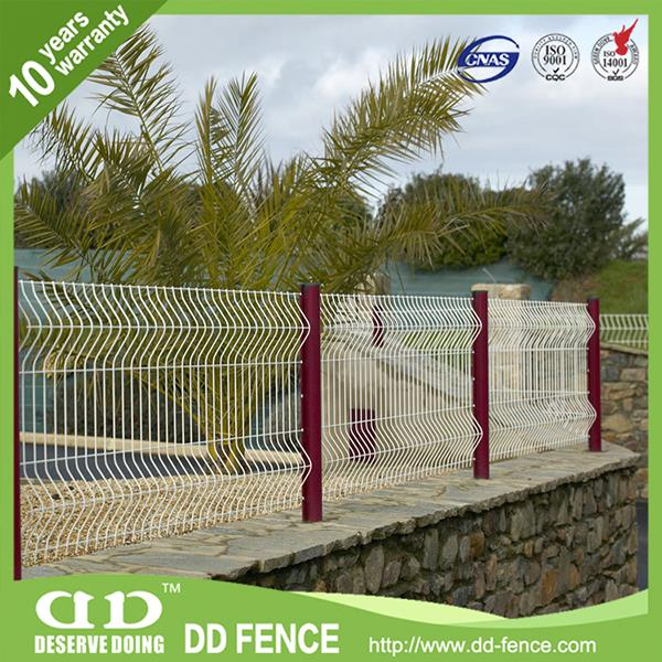 security Multifunctional metal powder coated welded wire mesh fence rolltop
