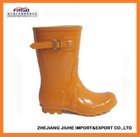 Women Fashion Rubber Rain Boots With Durable Property