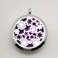 Flower Locket Can Open Pierced Filigree Antique Bronze Essential Oil Aroma Diffuser Necklace with Colorful Pads in stock