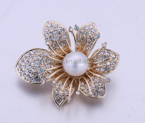 2016 Latest Chinese style pearl brooch/ natural freshwater pearl with alloy design
