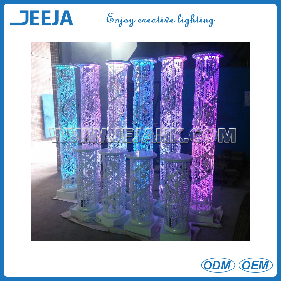 Elegant Tall round columns for wedding <strong>decoration</strong> ,Hanging Crystal Wedding lead road with LED light for <strong>decoration</strong>