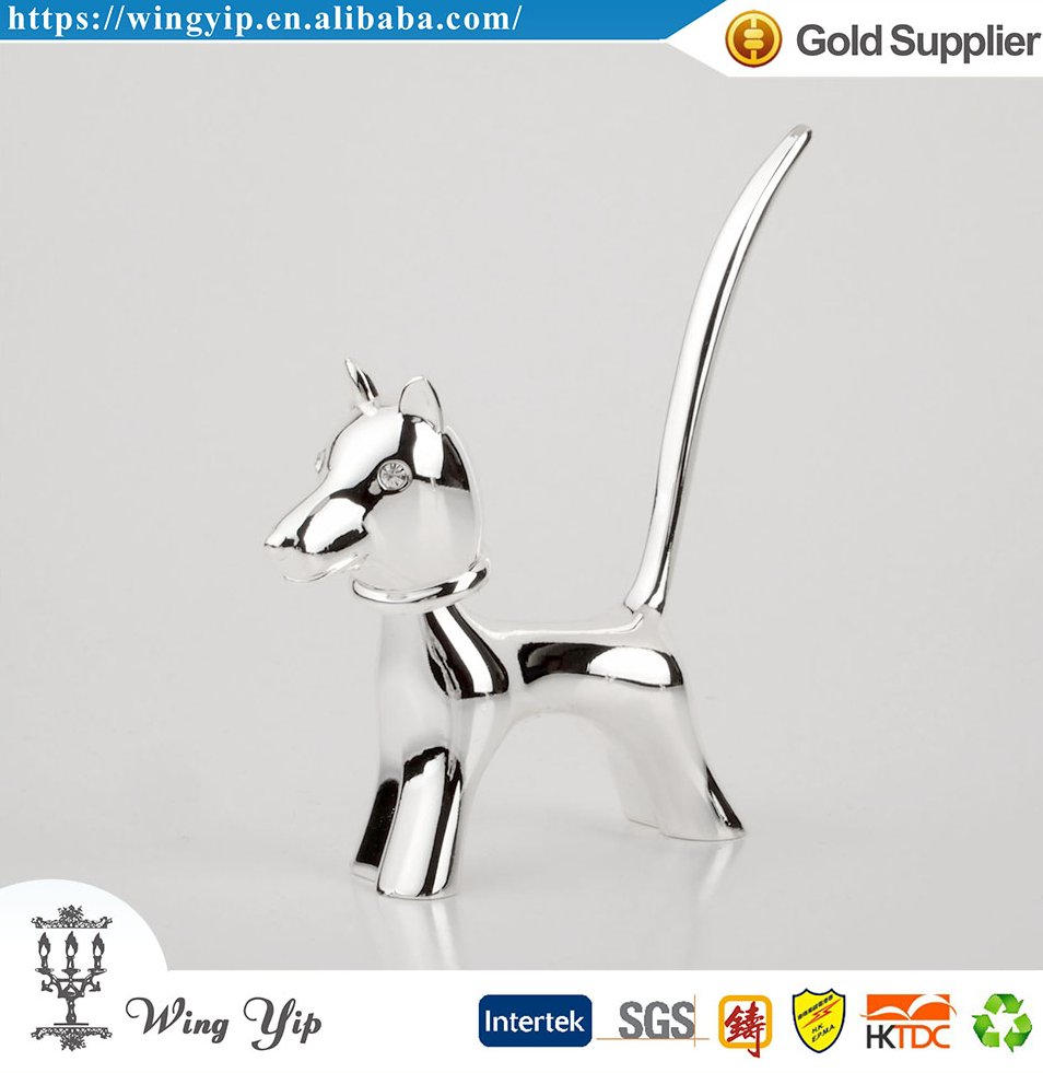 Tailor made good quality Free sample Wedding Souvenir Dog Shape Metal Ring Holder