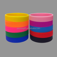 Cheap Price Festival Promotional Colorful Printed Silicone Wristband , Fashion Wristband Silicone Bracelets Wholesale