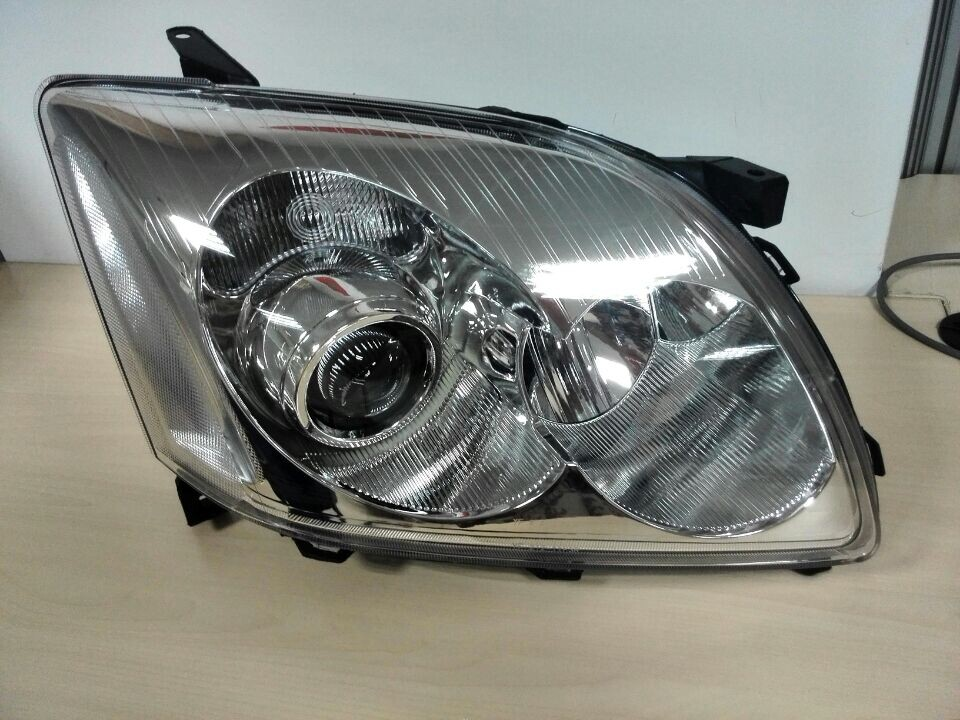 HEAD LAMP USE FOR TOYOTA AVENSIS 03-05 DEPO :212-11F3