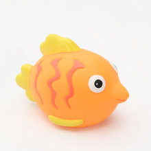 Squirt Soft Rubber Clown fish Animal Bath Toy for Baby Bathing