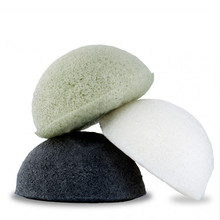 Hot Sale Face cleaning sponge Natural organic Activated Bamboo Charcoal konjac sponge