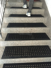 Anti slip strip cheap and fine rubber mat for stairs