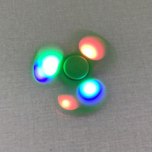 Fidget Hand Spinner With LED Light New Design Tri Fidget Spinner Toy