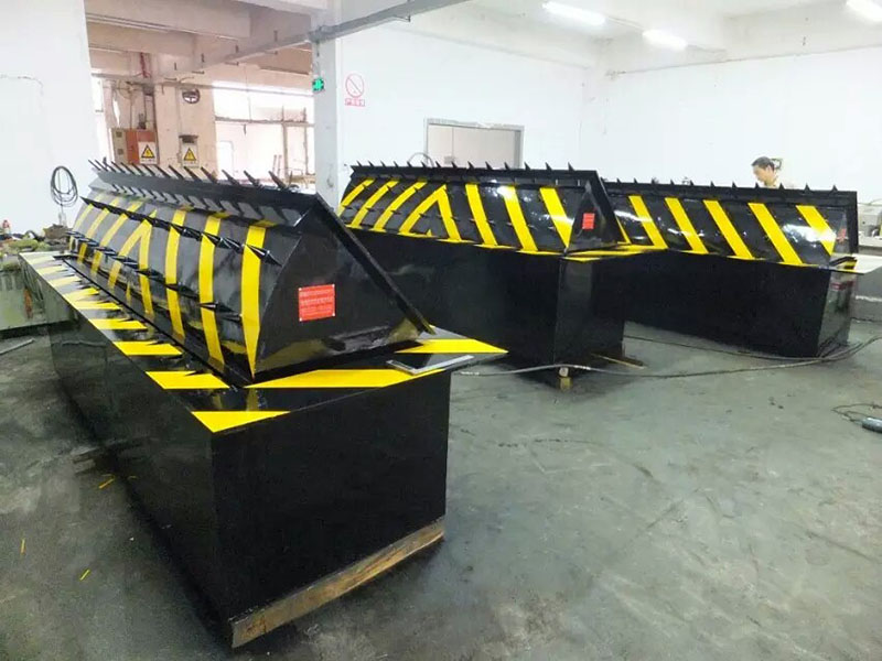 OEM Rotomolding Manufacturer road blocker/plastic barricades/security product/crowd barrier