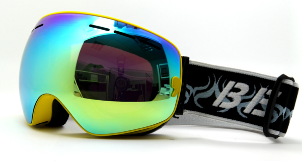 TPU frame and smoke REVO red lens snowboarding goggles