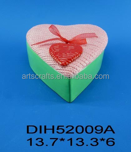 Heart shaped ceramic jewlery box with ribbon decoration