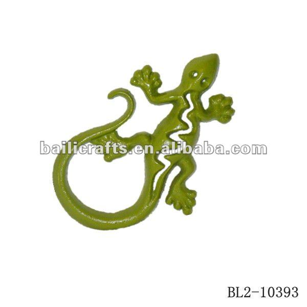 cast iron wall lizard