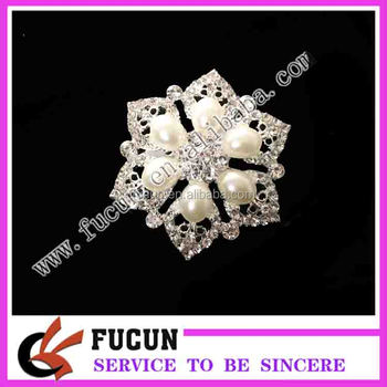 China Supplier Wholesale for Decoration rhinestone brooch