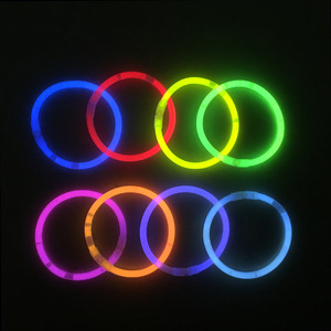 Glow in dark necklaces and bracelets 8 inch party bar flexible neon glow stick