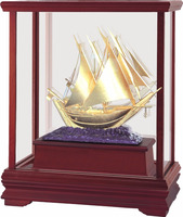 Gold foil dubai sailboat in Display box for promotion gift