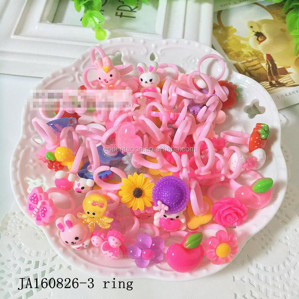 New hottest small plastic finger ring cute design