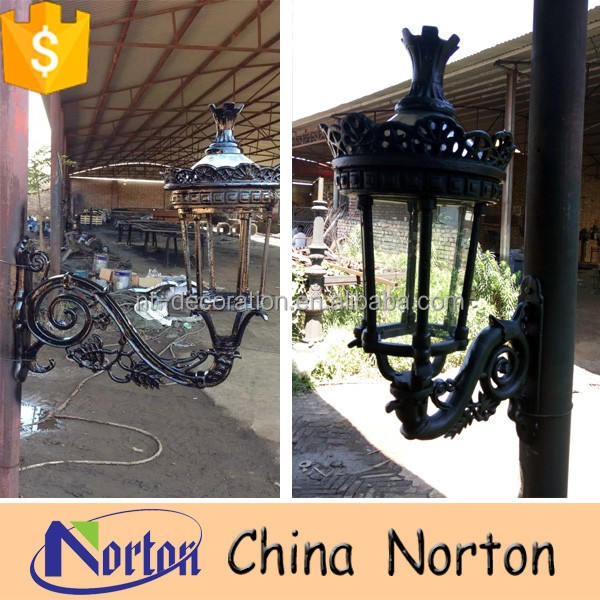 Cast iron antique outdoor garden lighting pole light with iron cast lantern NTILP-023R