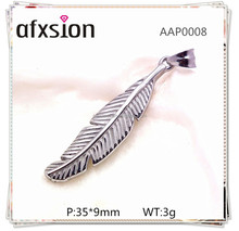 316 stainless steel jewelry wholesale, fashion silver Carved feather pendant For Necklace