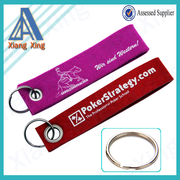 Yiwu pioneer product Carabiner cheap rubber key holder wristbands short lanyard