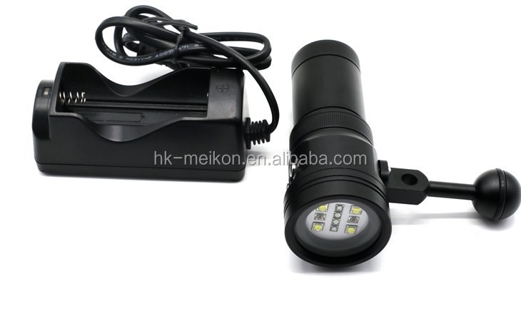 high quality of 2400 Lumen underwater photography Diving torch ,32650 rechargeable <strong>battery</strong>