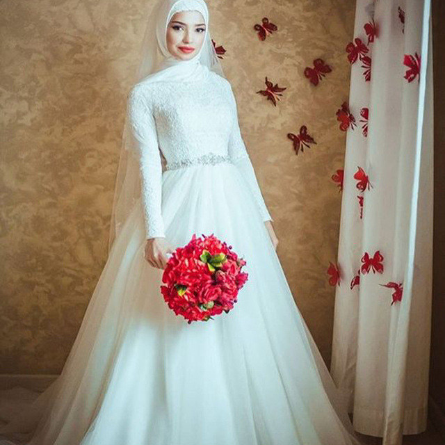 Z92768A 2017 Luxury Shinning Heavy Crystal Beaded Long Train Dubai Muslim Wedding Dress