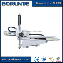 Two Axis Mechanical Injection Machine Automatic Robotic Arm