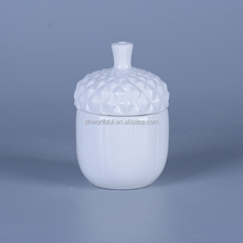 Fashionable porcelain white food containers with matte lid