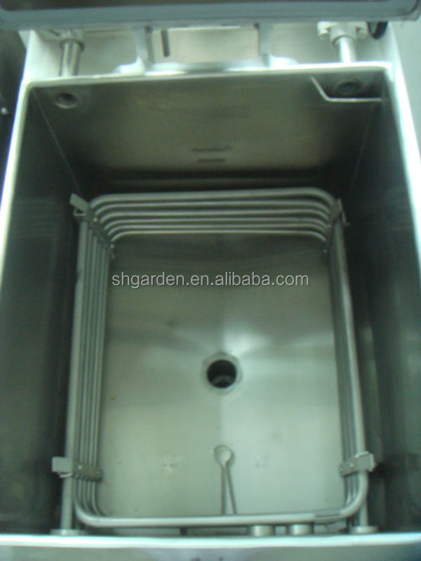 electric pressure fryer with filtration system used for fast food restaurant