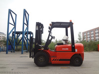 Low Price New Hydraulic Gearbox 40KW China Diesel Forklift 2.5T CPCD25