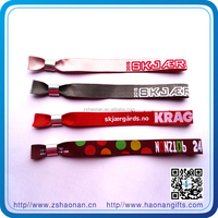 Buy china merchandise Manufacturer supplies colorful corporate gifts custom cham bracelet