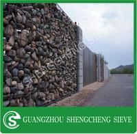 Export Poland galvanized iron wire protecion mesh gabion retaining wall gabion basket for sale