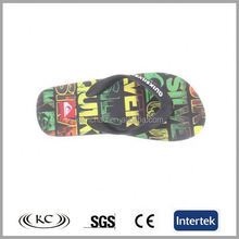 2017 new arrival thick sole wedge sublimation black rubber color word sole flip flops for men